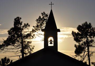 church-3413155_1920sq-360x250